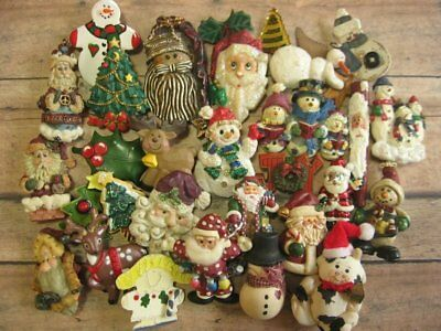 30 Vintage to Now Christmas Fashion Jewelry Brooch Lot Assorted Material (L2)
