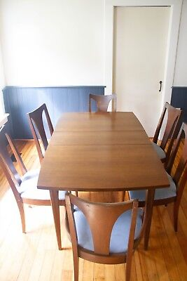 Broyhill mid-century dining set - Saga china hutch and table, Brasilia chairs