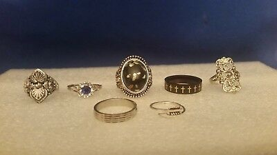 This is a nice lot of ladies vintage rings and from an estate