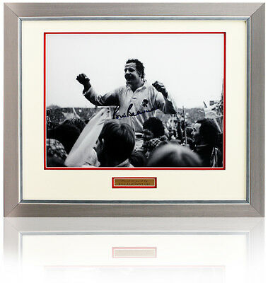 Bill Beaumont CBE signed 16x12'' England Rugby photograph