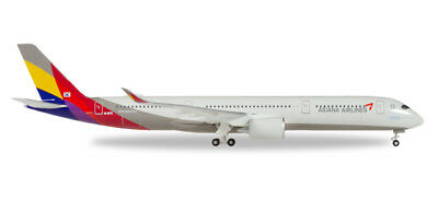 Herpa Wings 529983 Asiana Airlines Airbus A350-900 XWB 1/500 Scale Model