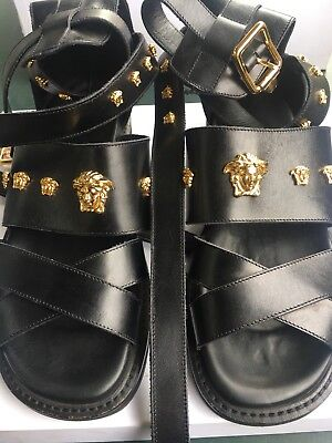 Omg Collector Versace Sandals Spartiate Gold Medusa Runway Shoes Claquettes  Rare 6afda79c719