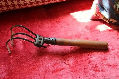 VINTAGE 3 TINE CULTIVATOR GARDEN HAND PUSH PLOW ATTACHMENT collectible