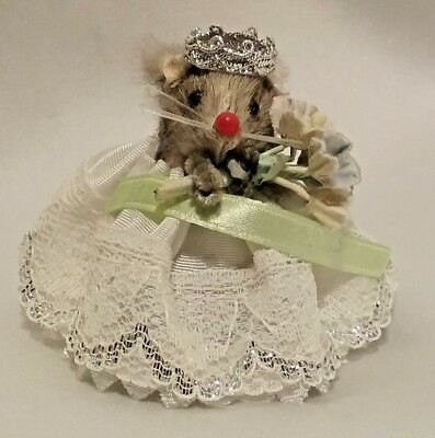Vintage Orginal Real Fur Toy Mouse Princess Germany Lacey Dress Bouquet Flowers