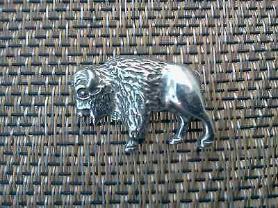 Wild Wild West WESTERN ANIMAL JEWELRY 2 BUFFALO BULL BISON PEWTER PINS All New.