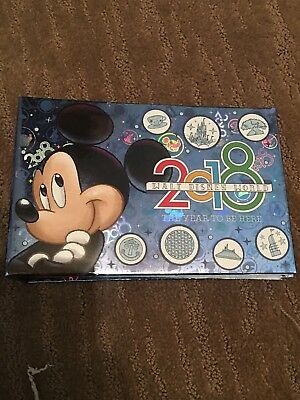 Walt Disney World 2018 Year To Be There Mickey Autograph Book Photo Album