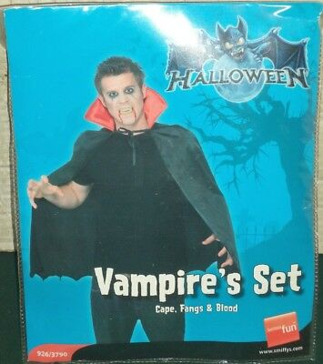 Smiffys Vampire Set Fancy Dress Outfit Costume Halloween Cape Fangs & Blood
