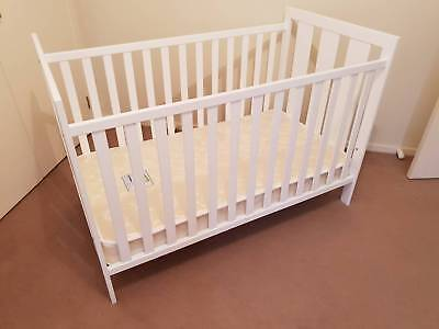 Baby cot and innerspring mattress