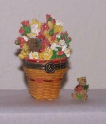 Boyds Treasure Box - Longaberger Exclusive - Snapdragon Basket with Snappy