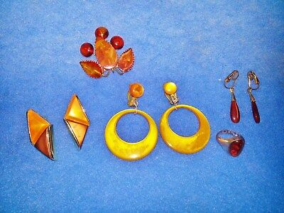 LOT OF 8 VINTAGE BAKELITE FIORE ART co  JEWELRY NECKLACE EARRINGS BANGLES  RING