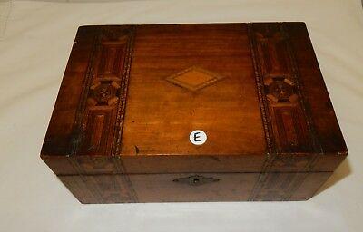 Vintage Walnut Tunbridge Ware Banded Jewellery / Trinket Box (E)