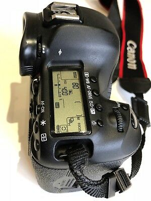Canon EOS 5D Mark III 22.3MP Digital SLR Camera - Black & a Battery Grip BG-E11