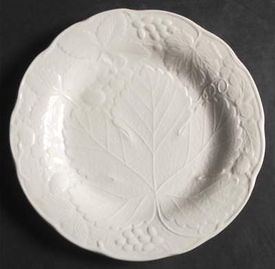 Burgess & Leigh STRAWBERRY & GRAPE LEAF WHITE (DAVENPORT) Salad Plate 43065