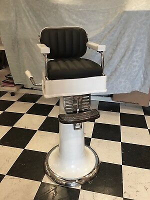 BERNINGHAUS CHILDS BARBER CHAIR FROM 1920 - Great Condition