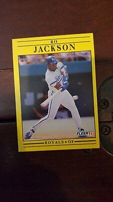 MLB Baseball Card Bo Jackson #561 1991 Fleer