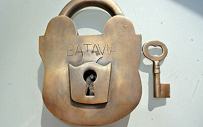 "5"" PADLOCK BATAVIA large Vintage stye old antique solid brass key heavy works B"