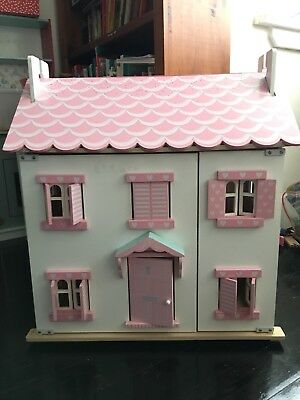Le Toy Van Daisy Lane Series Wooden Doll House