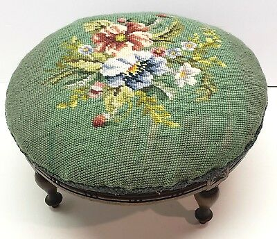 🎅🎄Vintage Needlepoint Foot Stool Floral Country Wood Bench 🎅🎄