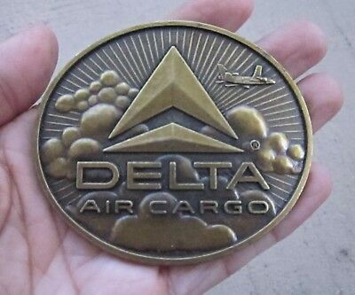 VINTAGE 1970s DELTA AIR CARGO AIRLINES BRASS TONE AVIATION BELT BUCKLE, USA, NOS