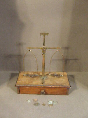 Vintage Apothecary Scale Balance With Wooden Storage Box