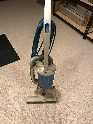 Used Windsor Axcess Industrial Commercial Upright Bag Vacuum Cleaner! Works READ