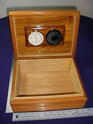 """Vintage Humidor Humidifier 10"""" x 8"""" Solid Wood Ceder Lined Pre-Owned"""