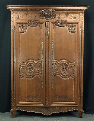 French Normandy oak armoire, late 18th / early 19th century.