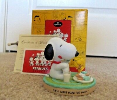 HALLMARK Peanuts Gallery Snoopy Cookies for Santa Figurine Limited Edition NEW