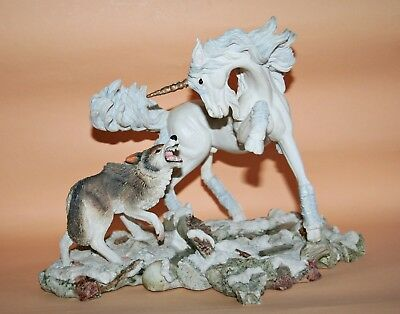 Fables Royal Doulton Unicorn vs Wolf *Courage* by Andrew Hull Einhorn RARE