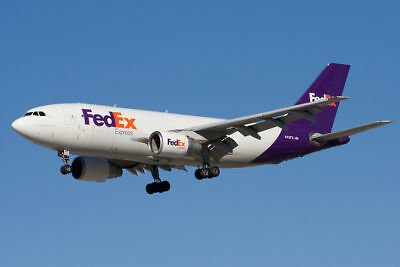 USA Shipping Service with your Fedex import account. We receive, pack & ship.