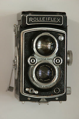 Rolleiflex 75mm f/3.5 CLA early '50's 120 TLR with leather case and lens cap