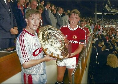 Whelan [Liverpool] & Bruce [Manchester United] - 12 x 8 Glossy Photograph
