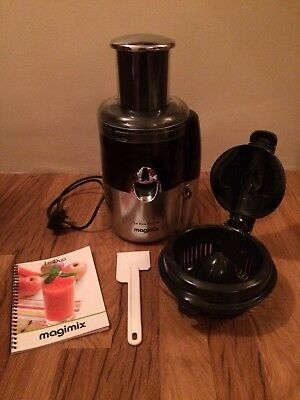 Magimix 18055 Le Duo Plus XL 400W Juice Extractor - Black/Chrome with Guide