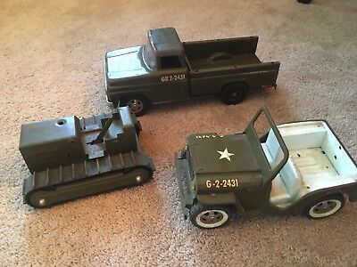 Tonka Pressed Steel Army Pickup Truck GR 2-2431 Jeep Tractor Vintage 1960s Old