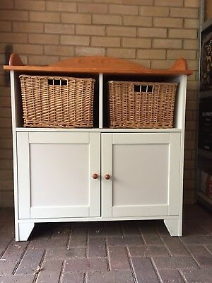 Izziwotnot Changing Table Unit With Baskets