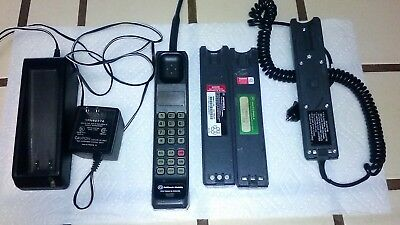 Motorola Ultra Classic Brick Cell Phone w/ Car Adapter. Vintage!