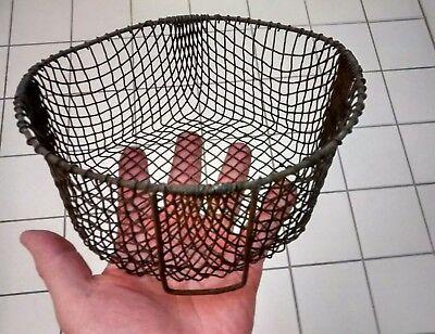 "Vintage Antique Primitive Country Kitchen Metalware Wire Basket  ~7.5"" Diameter"