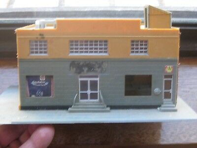 Bank Building. Unknown Manufacturer. HO Scale. No Box.