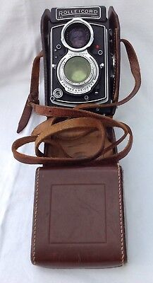 Rolleicord VA Twin Lens Roll Film  Camera c/w Leather Case.