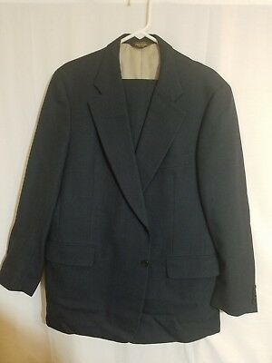 Paul stuart Navy full suit  Size 46 Long great condition and quality