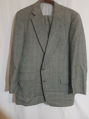 Paul Stuart fully suit in grey. Size 46 tall great condition and quailty