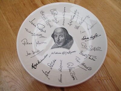 Collectable Holkham Pottery Shakespeare Signature Exhibition 1964 Display Plate