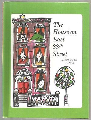 Vintage Children's Book THE HOUSE ON EAST 88th STREET Lyle Crocodile HARDCOVER
