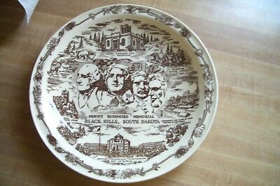 Vernon Kilns Mount Rushmore - Black Hills South Dakota Souvenir Plate 10 3/8""