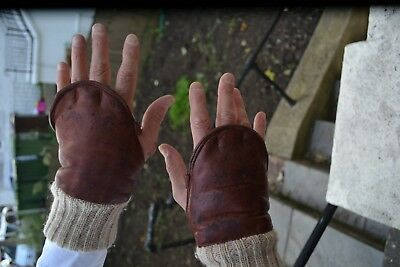 Leather and sheepskin wrist gloves