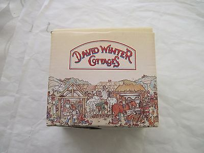 1982 David Winter Cotswold Cottage John Hine Ltd. Studios & Workshops CoA & Box