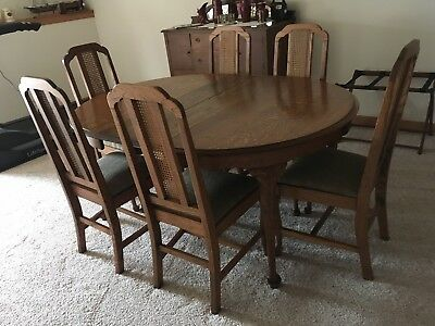 Antique Oak Queen Ann Dining Room Set