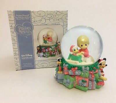 Precious Moments & Disney, Christmas Boy With Donald Duck Snowglobe