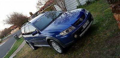 2005 Holden Adventra 8 SEATER