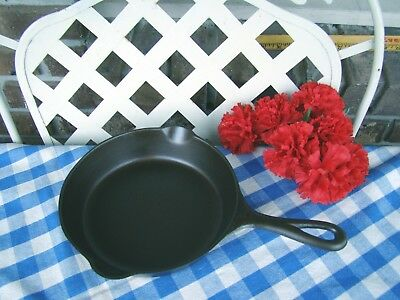 Griswold Cast Iron #5 Slant Logo Skillet with Heat Ring – Cleaned and Seasoned